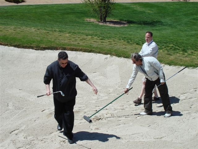 eventsgolf08_05_mark-ira-davyinthesand119